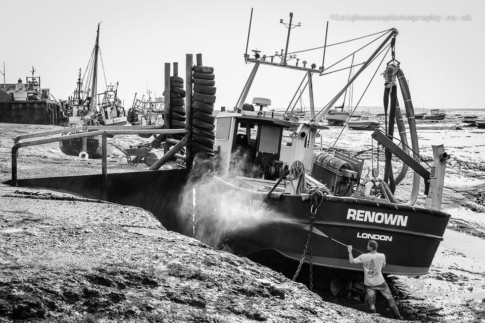 Boat-cleaner-of-Renown.jpg